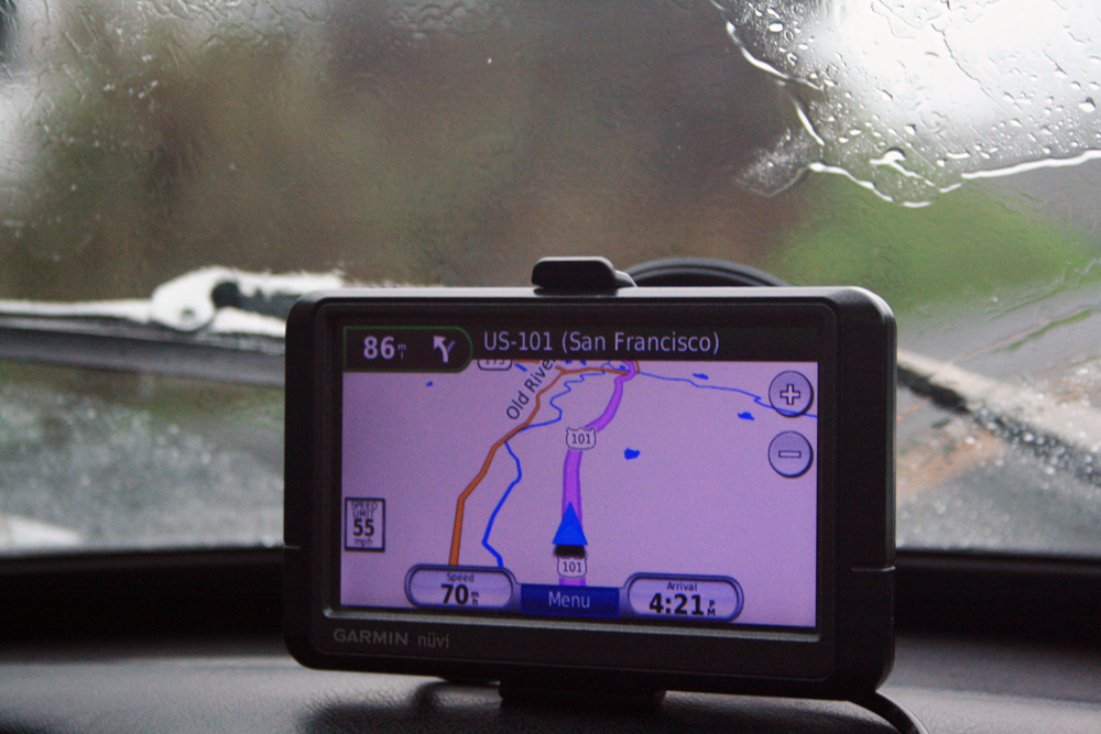 GPS shoiwng distance to San Francisco